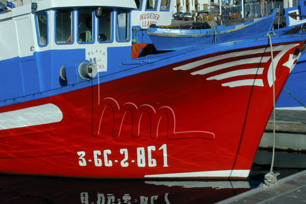 red white blue boat